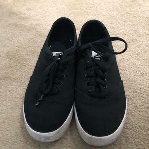 Nike Flat Sneakers size 6